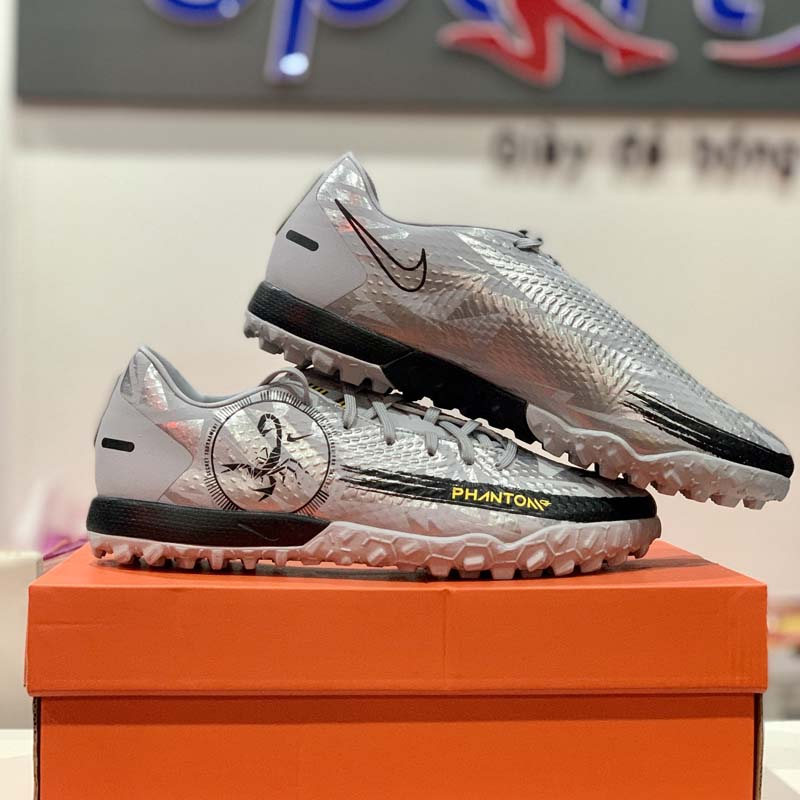 Nike Phantom GT Academy TF Scorpion - Wolf Grey/Metallic Silver/Black LIMITED EDITION - DA2262-001