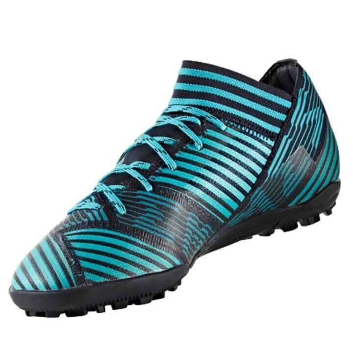 Ưu điểm của giày đá bóng adidas là gì?